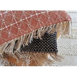 Coussin tribal terracotta 45 x 45 cm La maison de Lilo